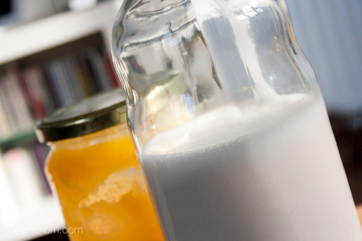 Sirovo-bademovo-mlijeko-1-1200